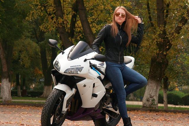 כלים מיוחדים לניקיון אופנועים