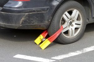 מה העונש על גניבת רכב ולפי מה הוא נקבע?