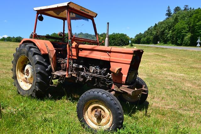 יתרונות וחסרונות של מכסחות דשא נטענות