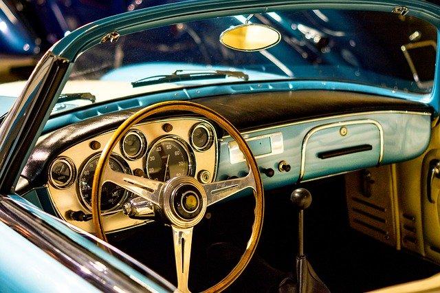 היתרונות והחסרונות במכירת הרכב הישן שלכם לפירוק